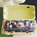 Reclamă la concertul lui Ionel Istrati și Holograf, în cutia cu ouă